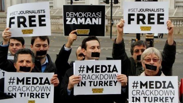 Pengunjuk rasa menuntut kebebasan pers di Turki