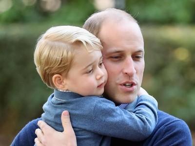 Momen Manis Pangeran William Jalani Peran Sebagai Ayah