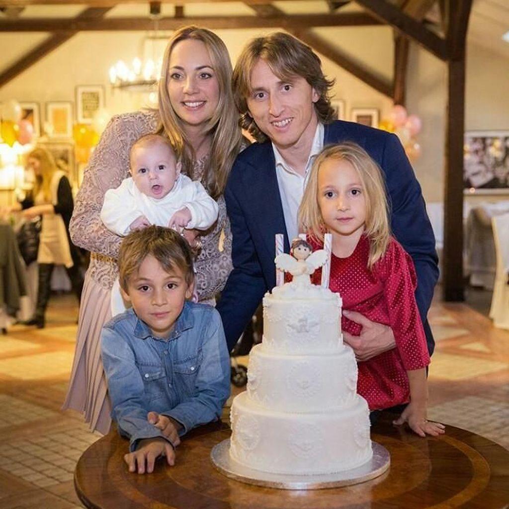 Ini Keseruan Luka Modric Saat Cicip Cake hingga Steak Jepang