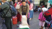 Cerita Pemudik Bawa 2 Karung Beras dari Kampung Halaman