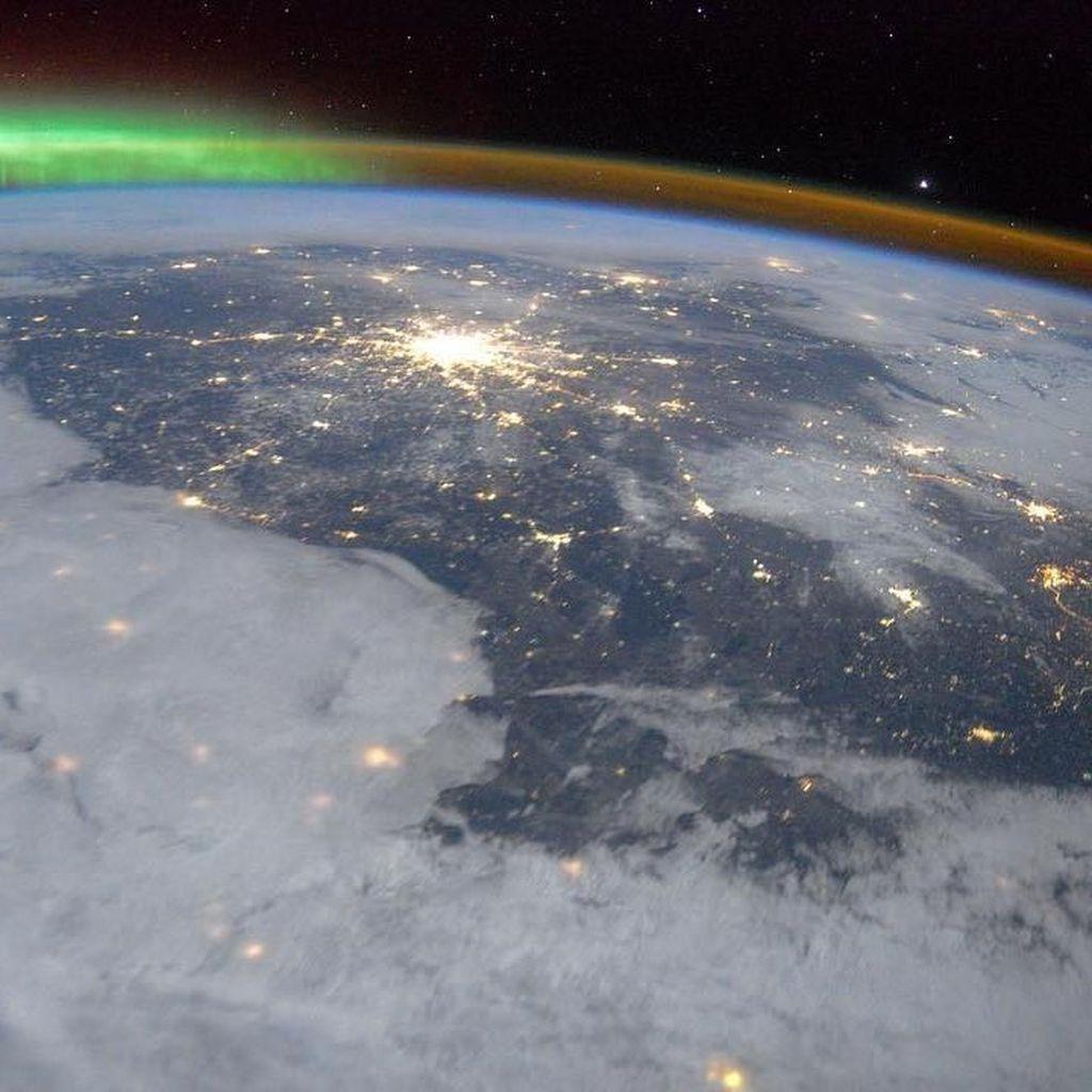 Perubahan Medan Magnet Tanda Arah Utara-Selatan Tertukar?