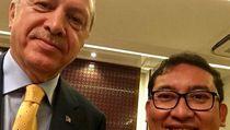 Ucapkan Selamat ke Erdogan, Fadli Zon Pamer Selfie