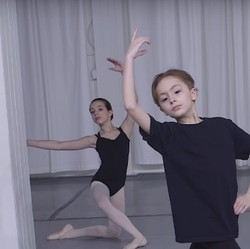 Cerita Anak Laki-laki yang Gemar Menari Balet