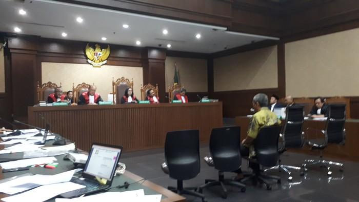 Sidang bupati Lampung Tengah nonaktif Mustafa (Foto: Faiq Hidayat/detikcom)
