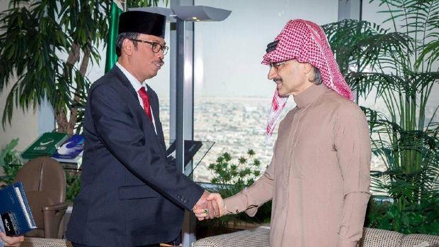 Dubes RI untuk Arab Saudi Agus Maftuh Abegebriel dan Pangeran Al Waleed bin Talal.