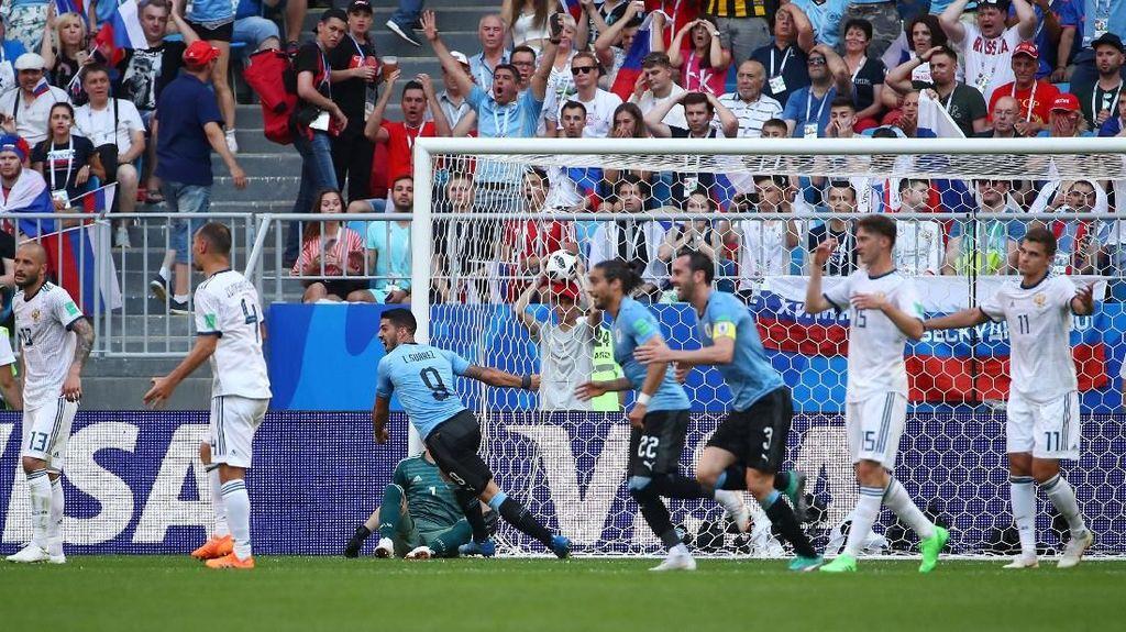 Uruguay Ungguli Rusia 2-0 di Babak Pertama