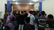 Masa Pendaftaran Sekolah, Dispendukcapil Pasuruan Diserbu Warga