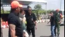 Adu Badik, Rusuh di Bandara Hasanuddin Dipicu Taksi Resmi Vs Liar