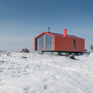 Wow, Rumah Ini Diangkut Pakai Heli ke Atas Gunung