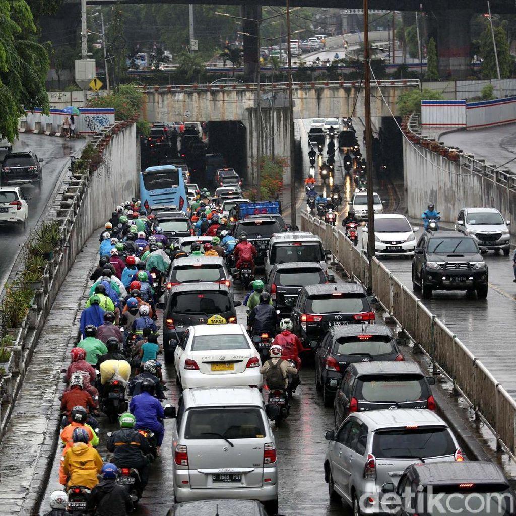 Kemacetan di Jakarta Meningkat 5 Persen di Hari Pertama Sekolah