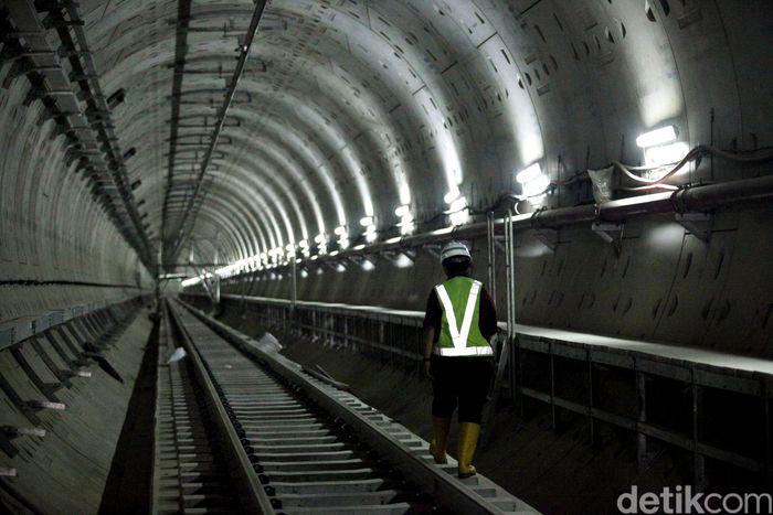 Begini penampakan terkini progres pembangunan mass rapid transit (MRT) Jakarta fase I.