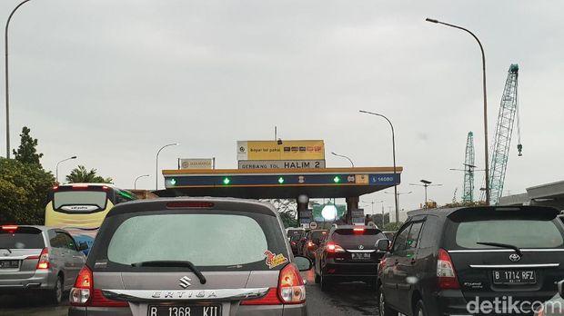 Lalin Tol Bekasi Arah Jakarta Macet Parah Pagi Ini