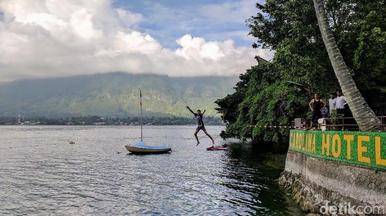 Ilustrasi pemandangan Danau Toba, Sumatra Utara (Sena Pertiwi/detikTravel)