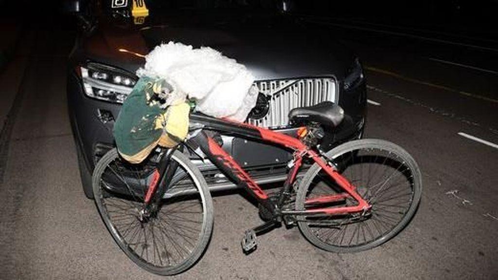 Kecelakaan Pertama Mobil Otonom yang Tewaskan Pesepeda