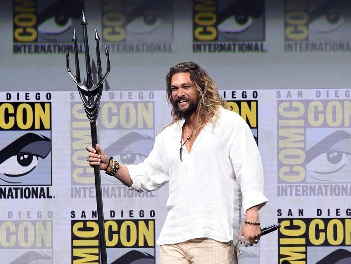 Jason Momoa nampaknya sudah melekat dengan karakternya sebagai Aquaman. Filmnya akan kembali rilis diperkirakan pada Desember tahun 2018. (Foto: Getty Images)