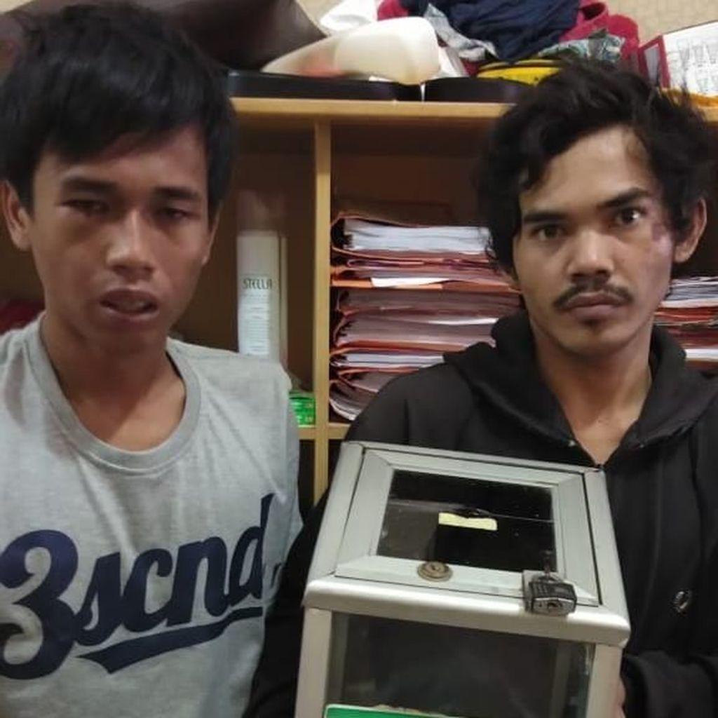 Panik Dikejar Warga, 2 Pencuri Kotak Amal Terjatuh dari Motor