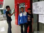 Kuli Tagih Upah Pembangunan GOR Merdeka Kota Sukabumi