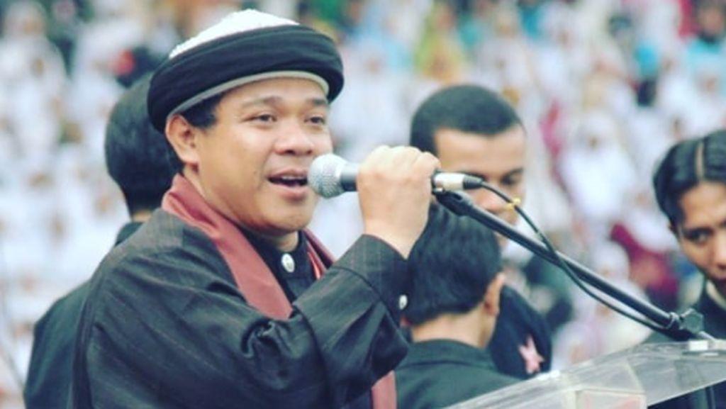 Hari Moekti di Mata Solmed: Rocker yang Istiqomah Berhijrah