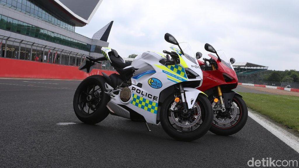 Polisi Inggris Pakai Motor Ducati Berteknologi MotoGP