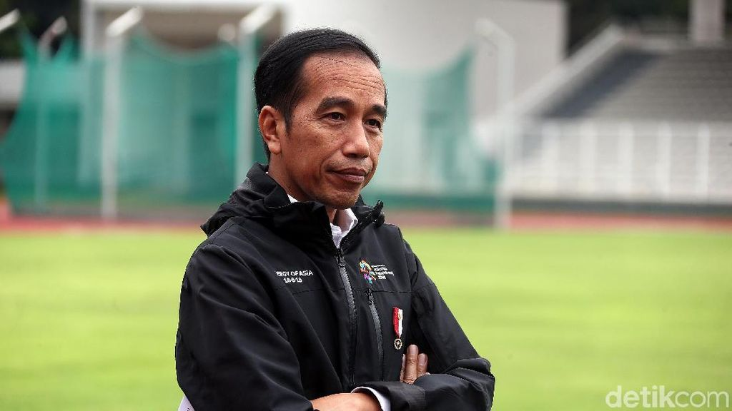 Gaya Jokowi Berjaket Asian Games