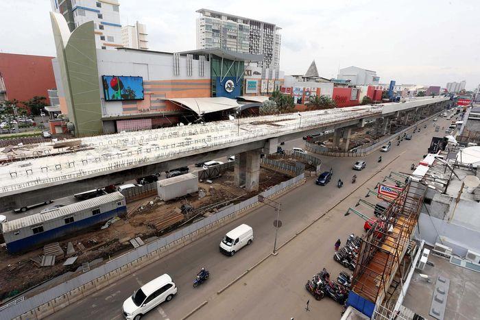 LRT Jakarta, yang di bawah pengawasan Pemprov DKI ini dimulai pembangunan koridor I Kelapa Gading-Velodrome (Rawamangun) pada 22 Juni 2016. Rengga Sancaya/detikcom.