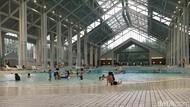 Foto: Kolam Renang Indoor Terbesar di Jepang