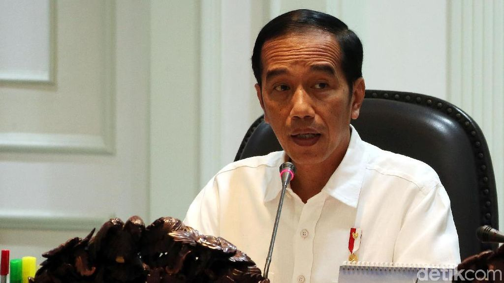 Jokowi Panggil Darmin Hingga Luhut Bahas Revisi UU Ketenagakerjaan