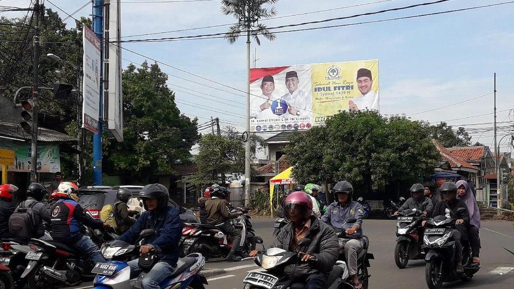 Masa Tenang, Alat Peraga Kampanye di Bekasi Masih Bertebaran