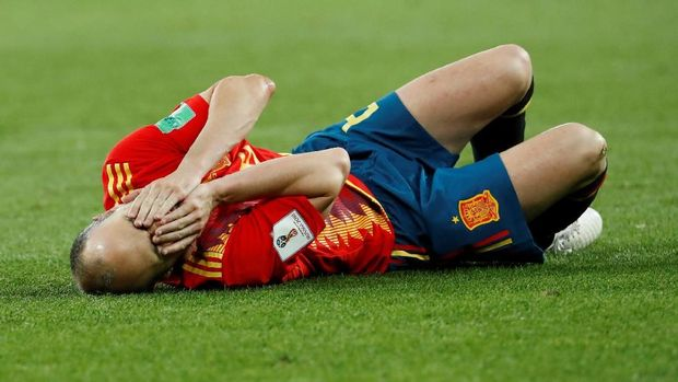Andres Iniesta harus rela duduk di bangku cadangan.