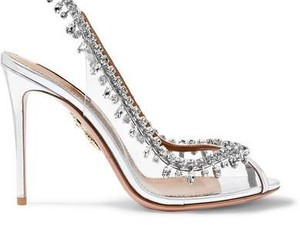 5 Sepatu Kaca yang Bikin Kamu Merasa Seperti Cinderella