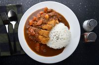 Siang Ini Enaknya Makan <i>Chicken Curry Rice</i> yang Gurih Hangat