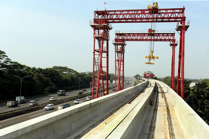 LRT Jabodebek tahap I terbagi atas 3 lintasan yakni rute Cibubur-Cawang, Bekasi-Cawang dan Cawang-Dukuh Atas. Rengga Sancaya/detikcom.