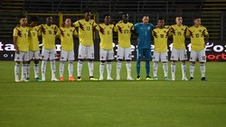 Yerry Mina menjadi pemain Timnas Kolombia paling tinggi di antara pemain lainnya dengan 194 cm. Selain punya tubuh tinggi, ia juga punya otot yang kekar lho.