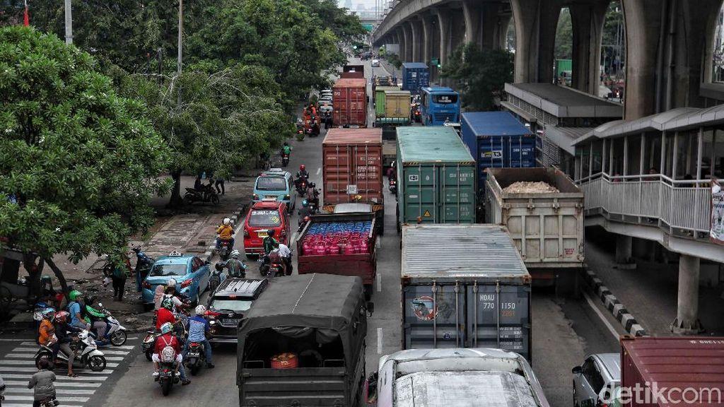 Ekspor Indonesia Naik Tipis Jadi US$ 15,8 M di Oktober
