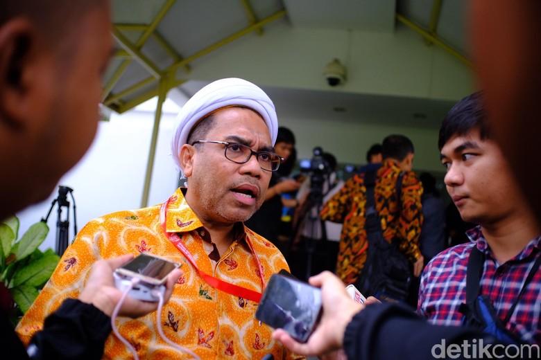 Ngabalin: Ratna Sarumpaet Main Provokasi di 'Air Keruh' Danau Toba
