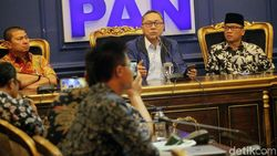 Lucky Hakim Pindah ke NasDem, Zulkifli: Transfernya Rp 5 M