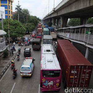 Pengusaha Truk Minta Tarif Mobil Pribadi di Tol JORR Juga Rp 30.000
