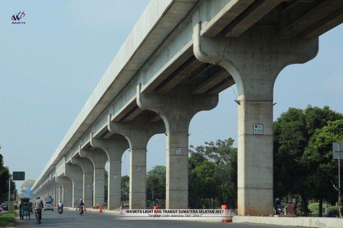 Total ada sekitar 867 tiang yang menopang jalur LRT Palembang sepanjang 23,4 km. Istimewa/Waskita.