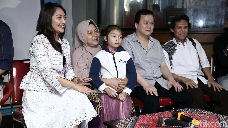 Siti Badriah Gelar Syukuran Viralnya Lagi Syantik