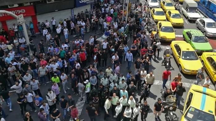 Foto: Demo di Iran (Atta Kenare/AFP)