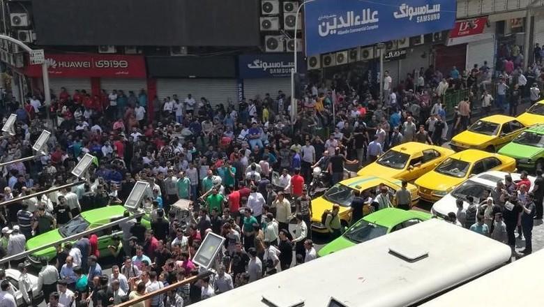 Pesan AS Untuk Demonstran Iran: Dunia Mendengar Suara Kalian