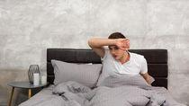 5 Alasan Kamu Terbangun Bersimbah Keringat Pagi Ini