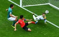 Jerman harus angkat koper dari Piala Dunia 2018 setelah ditaklukan Korea Selatan 2-0. Padahal, Jerman notabenya adalah juara bertahan dan paling diunggulkan (Dylan Martinez/Reuters)