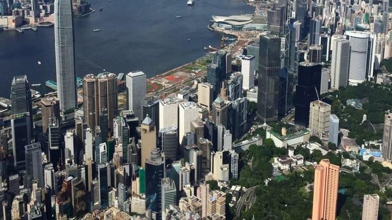 Lanskap Hong Kong dari ketinggian sebagai kota dunia termahal 2018 (CNN Travel)