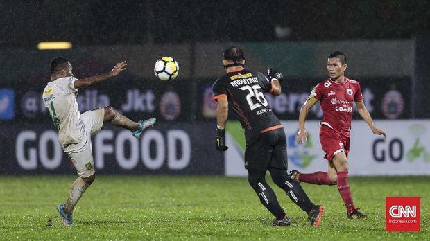 Persija Jakarta menurunkan pemain-pemain inti pada babak pertama ketika meladeni Selangor FA.