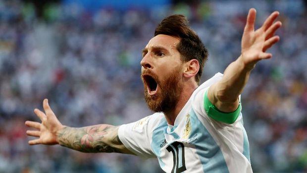 Lionel Messi mencetak gol pertama di Piala Dunia 2018 ke gawang Nigeria.