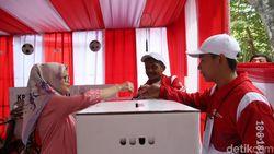Usai Coblos Pilkada, Netizen Pantau Quick Count Sambil Guyonan
