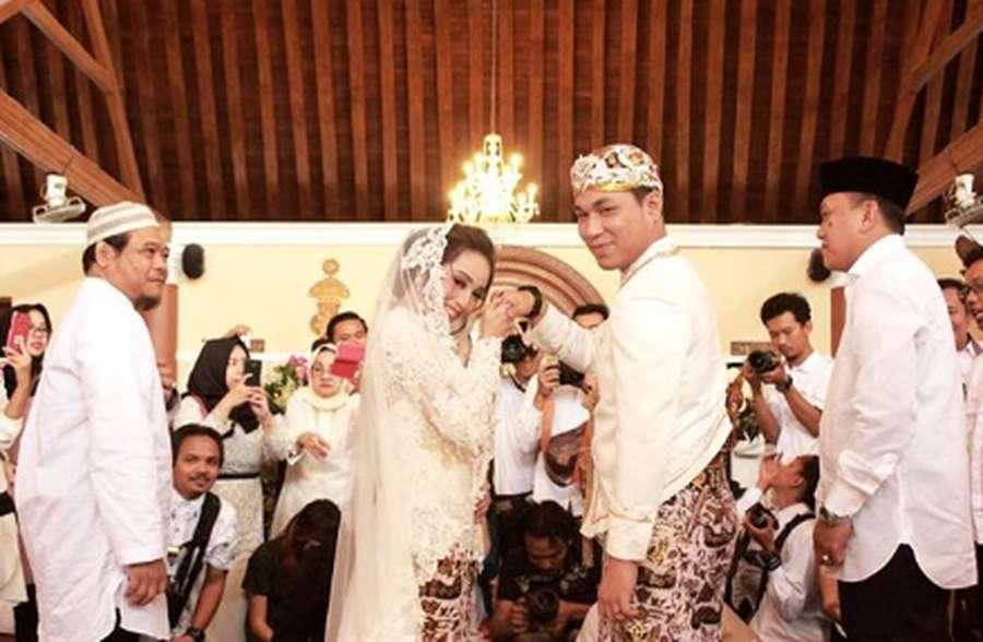 Rizal Armada Menikah, Shandy Aulia hingga Penampilan Kekasih Mesut Ozil