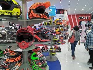 Ada Lelang, Helm di PRJ Dijual Rp 300 Ribuan!