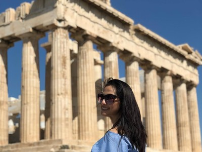 Ide Liburan Keluarga ke Yunani ala Maudy Koesnaedi